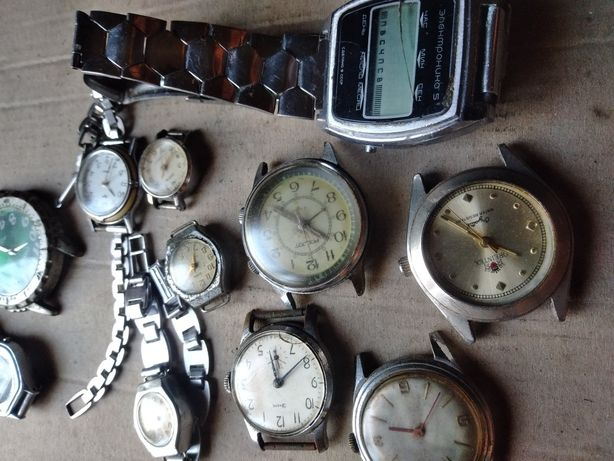 Часы наручные механические