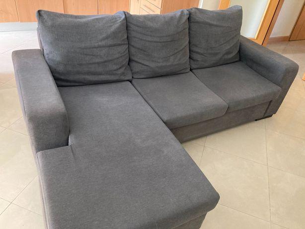 Sofá com chaise longue cinzento