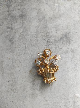 Złota broszka z brylantami