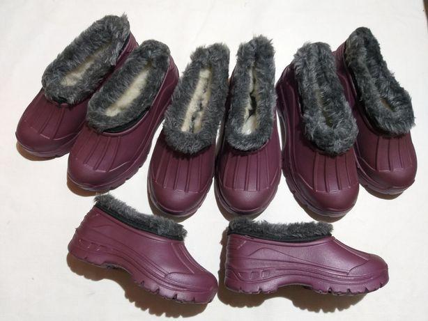 Дитячі чобітки та голошики