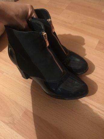 Ботиночки на невысоком каблуке демисезонные