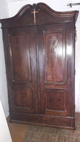 Sprzedam starą szafę