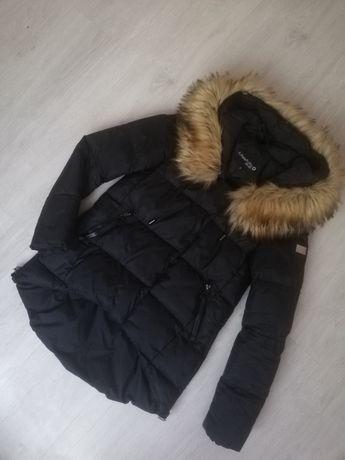 Kurtka zimowa czarna futerko S