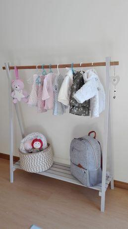 Cabide roupa bébé