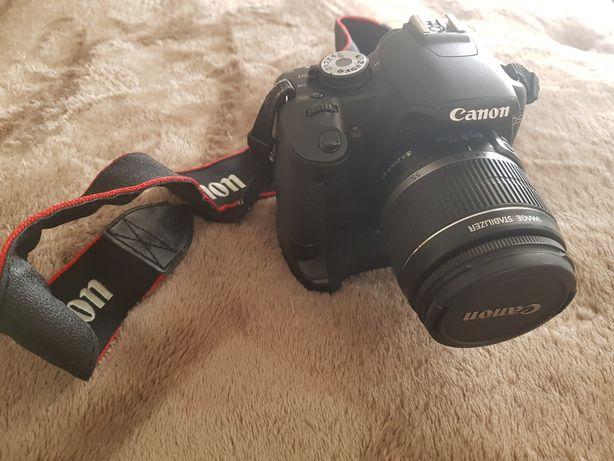 Máquina fotográfica Canon 500D com lente 50mm