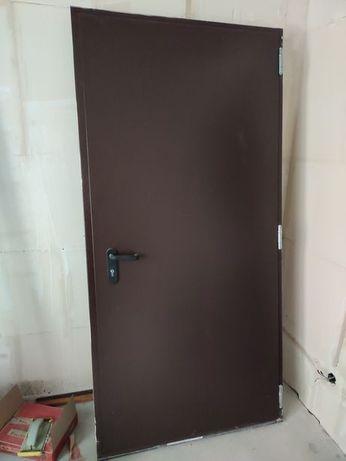 Входная дверь металлическая