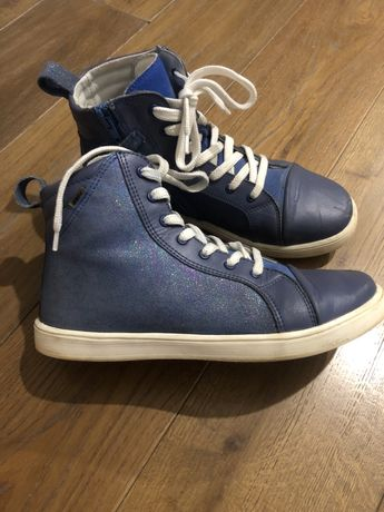 Продам красивые ботиночки BARTEK, кожа. Размер 35. Сезон весна -осень