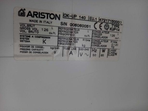 Arca congeladora Ariston