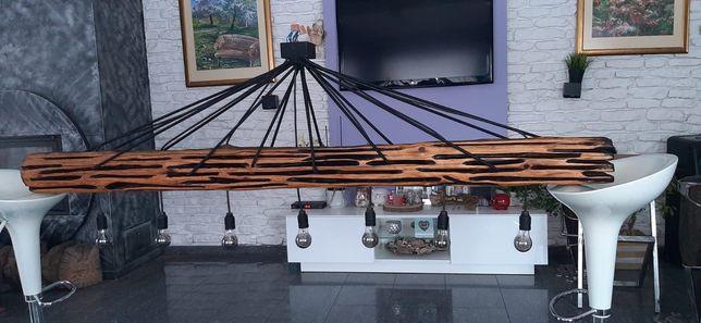 Lampa loftowa wisząca ze starej belki drewnianej