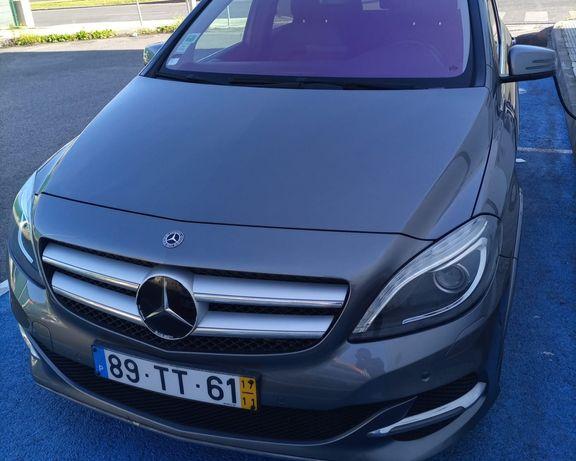 Vendo Mercedes benz B250e 11/2017