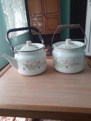Бидончик и чайник эмалированные