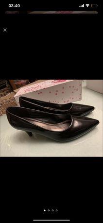 Туфли женские лаковые лодочки