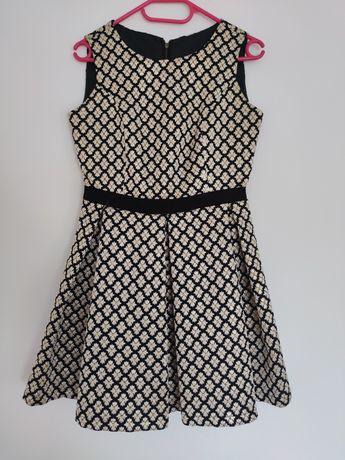 Czarna sukienka w kremowo-złote kwiaty - r. 38