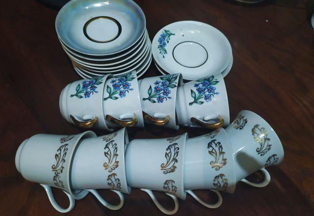 Продам набор кофейных чашек с блюдцами