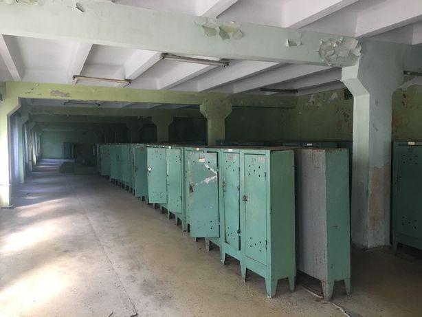 Продаються металеві шкафчики для роздягалень