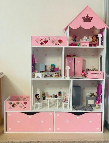 Большой деревянный дом для кукол