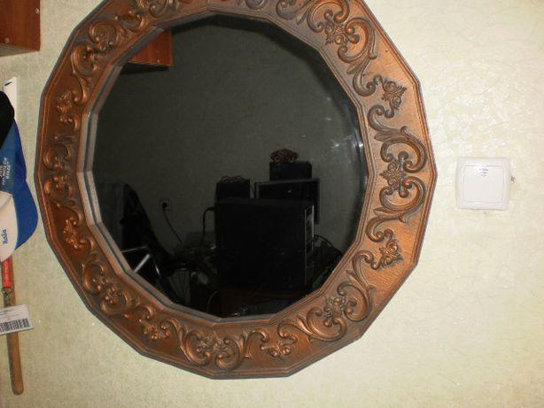 Зеркало,резьба ручной работы,очень красивое!!!