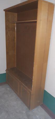 Шкаф в прихожую в таком состоянии.