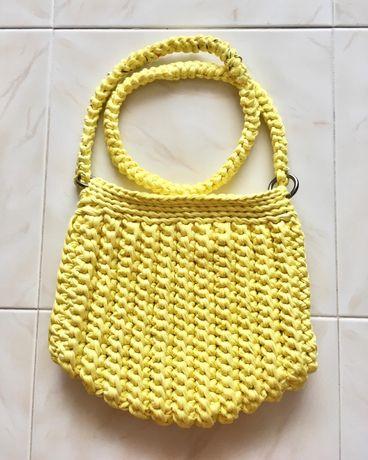 Mala/ Clutch em crochet fio de malha