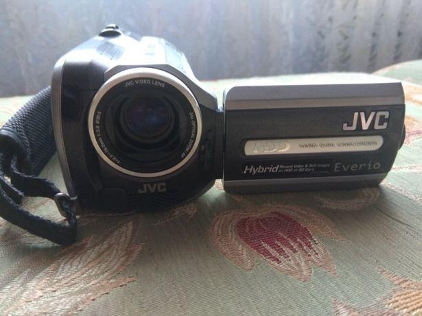 Продаётся видеокамера JVC-MG130E