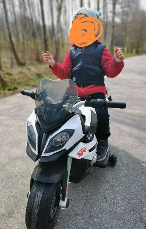 Motorek BMW 1000