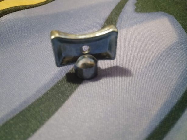 odpowietrznik KLUCZYK metalowy do odpowietrzników grzejnika