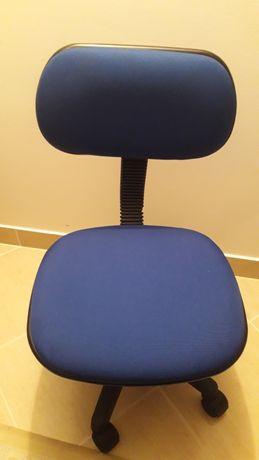 Cadeira secretária como nova