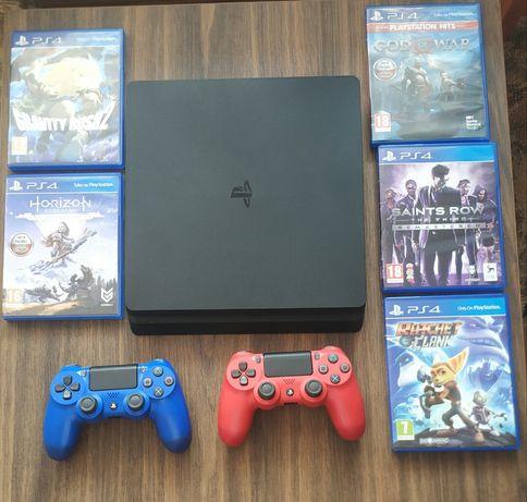 PlayStation 4 1tb + 2 pady + 5 gier