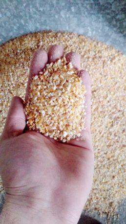 Крупа кукурузная,крупа пшеничная.Мучка кукурузная.