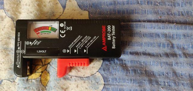 Przyrząd do mierzenia napięcia,sprawności baterii i akumulatorków