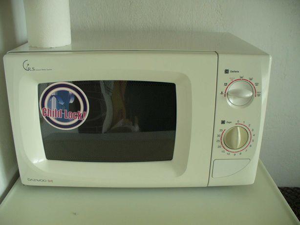 Sprzedam kuchenkę mikrofalową