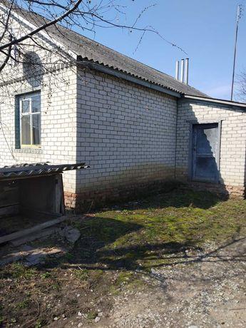 Продам дом в пгт Пархомовка