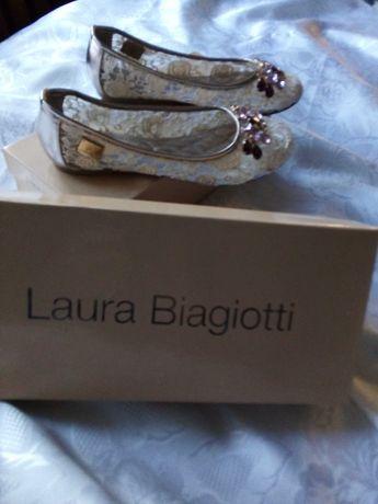 Baleriny, koronkowe buty jak nowe Laura Biagiotti ercu rozmiar 37