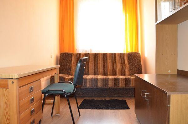 pokój jednoosobowy w mieszkaniu studenckim