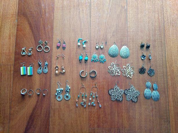 Brincos e anéis variados