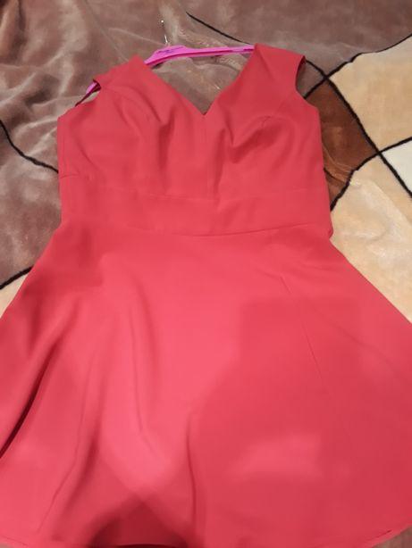 Sukienka 46 kolor amarantowy