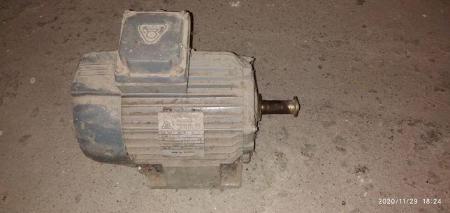 Silnik elektryczny 0,55 kW