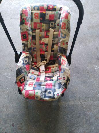 Cadeira de bebé em bom estado