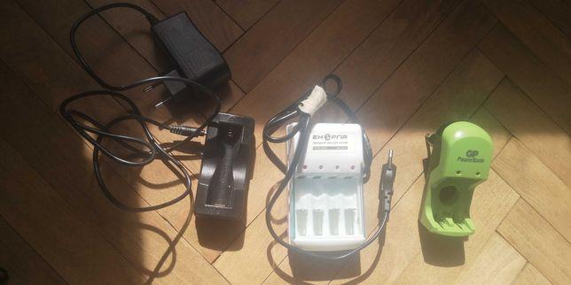 Зарядні пристрої для Ni_MH батарейок АА, ААА