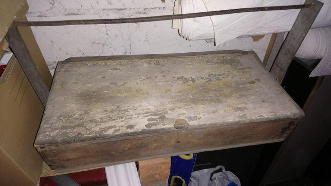 Skrzynka narzędziowa lata70-80 antyk