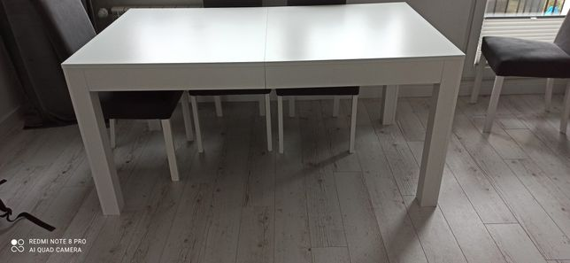 Piekny stół jak nowy