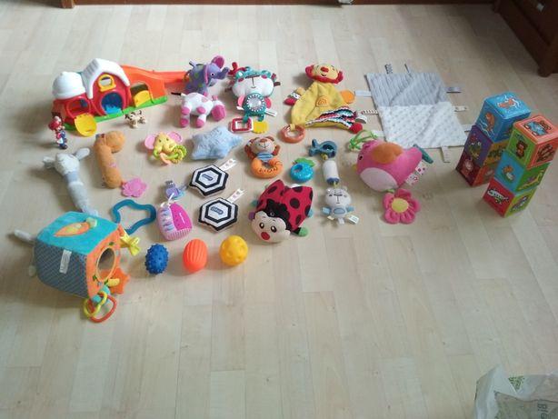 Zabawki 31szt dla niemowląt sensoryczne edukac kostki piłki biedronka