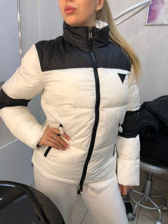 Продам куртку Guess