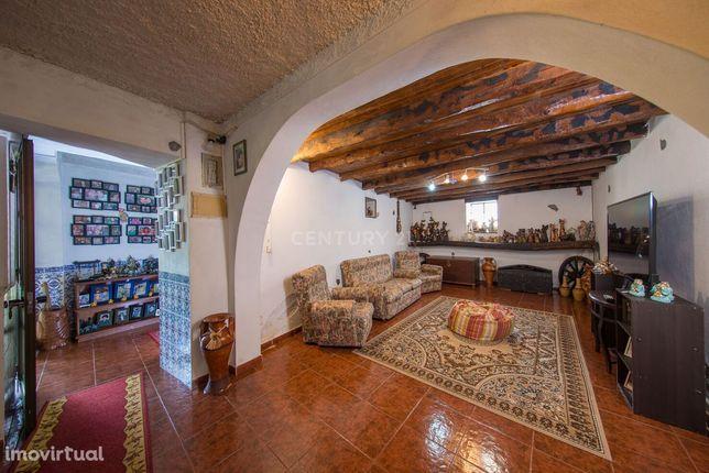 Moradia T3 sita no Forcado, Vila Nova de Poiares/3 bedroom house locat