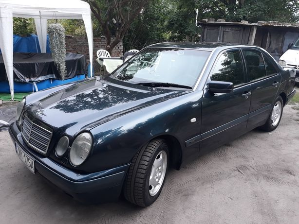 Mercedes - Benz E 300 D 136km Classic Klima