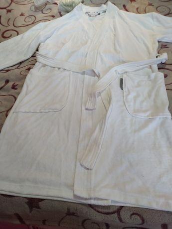 Махровый халат и тапочки