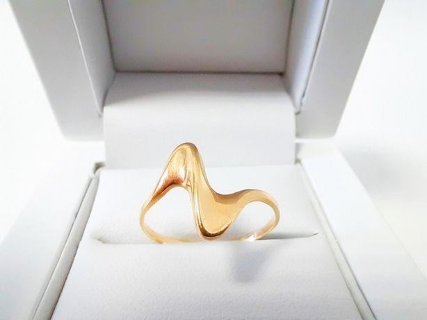 Złoty pierścionek 585 R. 17