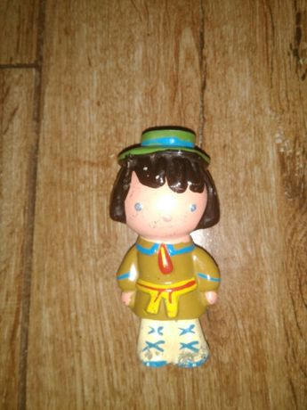 Stara zabawka z okresu PRL-u lalka
