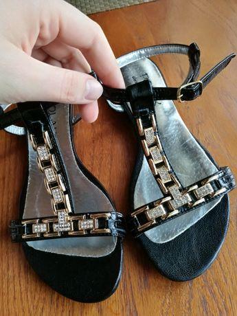 Nowe sandałki Skóra 36