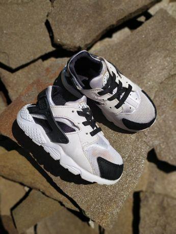 Кроссовки Nike huarache 25 размер